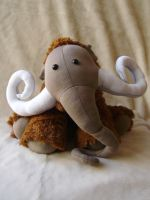 mammoth by NataliaVulpes