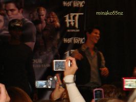 Twilight Tour: Taylor Laughing by minako55nz