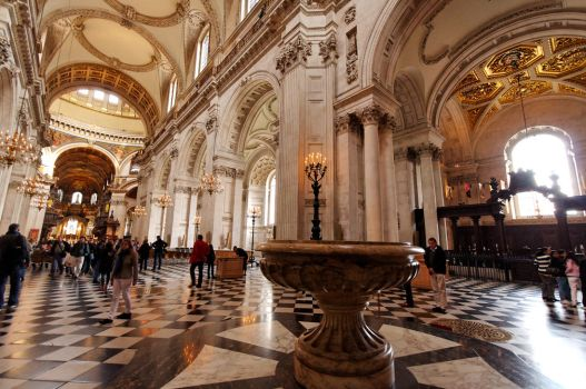 Inside St Paul's Cathedral II by squareonion