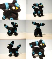 Shiny umbreon plush mini by HottieHulio