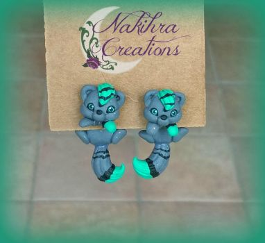 Gray and Green Cats earrings by Nakihra