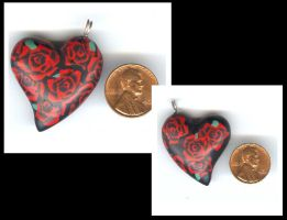 Dozen roses heart pendant by Glori305