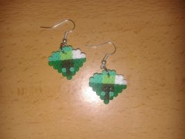 Emerald earrings by Jesusclon