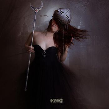 The Messenger of the Mother Moon by vampirekingdom