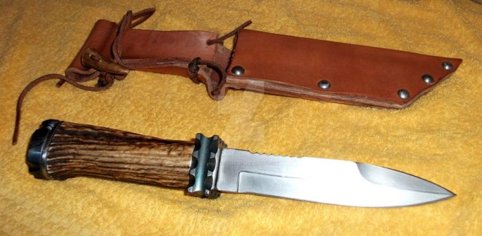 Barbarian hunting knife by Hrafns-Vikingr