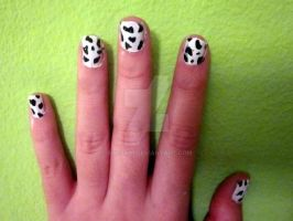 Cow nails by blissy91