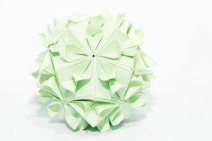 kusudama kiss of sakura. by leezarainboeveins
