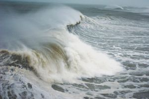 Crashing- Hurricane Sandy by cheslah