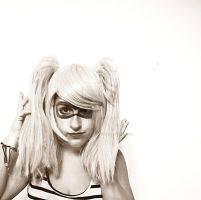 Harley Quinn cosplay by Shoratime-vocaloid