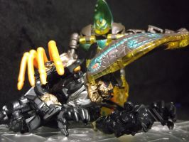 Death of a Decepticon at the hands of a Predacon by forever-at-peace