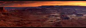Canyonlands Panorama by narmansk8
