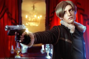 Resident Evil 4 - Leon Kennedy by aKami777