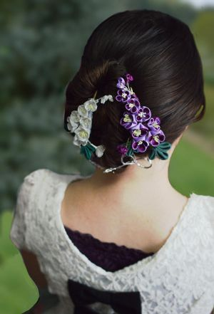 Lilac Kanzashi Model. by hanatsukuri