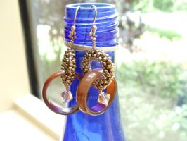 Tortoise shell earrings by Linhorra