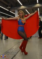 Supergirl Cosplay - Montreal Comiccon 2014 by ConMenWebSeries