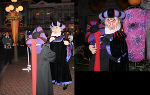 Frollo Approves of My Costume by ChristineFrollophile