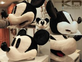 Mickey Mouse cosplay head by The-Katherinator