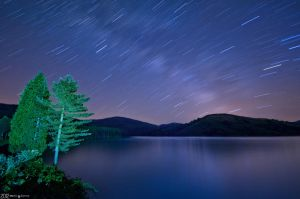Stars in the lake. by MarioGuti