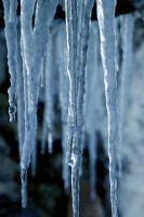 Icicles by Starfishinablender
