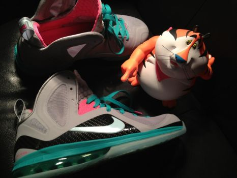 Lebron 9 Elite Miami Vice  south beach by RustyRobot1986