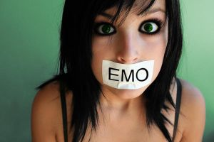 Emo Girl by xBrokenLife