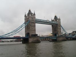 Tower Bridge by anakinluvr