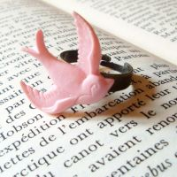 Bague Ring Pink Swallow by CherryRedCheeks