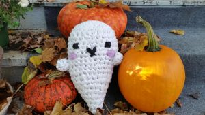 Crochet: Kawaii Recycled Sheet Ghost by cottoncritter
