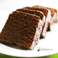 chocolate cake by topinka