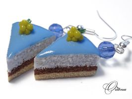 Cake with frosting by OrionaJewelry