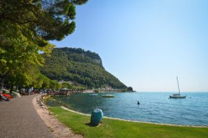 Garda Lake by cheekybastard89