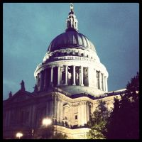 St Paul's Cathedral by LW-M-E-D-I-A
