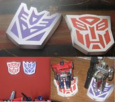 Transformers Insignia Stands by paperart