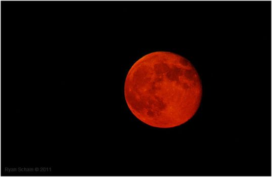 Red Moon by Ryser915