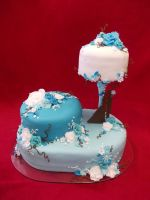 Blue wedding cake by Nydrli