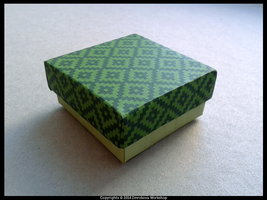 Grren box with ornament by little-cruel-thing