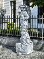 Street Artists - living Statue - The Silver Woman by pingallery