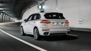 Porsche Cayenne Turbo - White by aykutfiliz