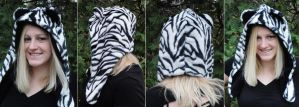 White Bangle Tiger Hood by akiseo