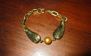 Golden Snitch Bracelet Variant 1 by Key-Kingdom