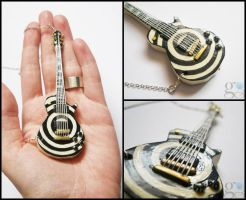 New custom guitar by GemDeDude