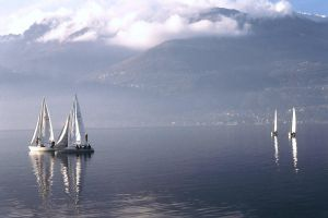 Sailing on the Lario by multix