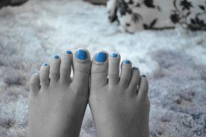 Blue nails close by tangeloskye