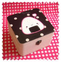 Onigiri Box by tuxinha