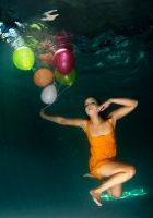 underwater baloons 3 by leighd