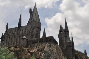 Hogwarts by IBelongToTheDoctor