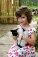 Litte girl with cat by Biutz
