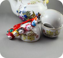 Request : Maneki Neko bracelet by KawaiiRoxX