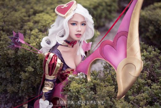 League of Legends - Ashe Heartseeker cosplay by Julia-MiFei