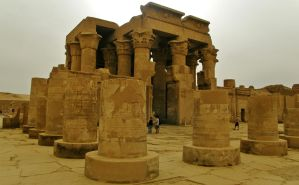 Temple of Kom Ombo by francis1ari